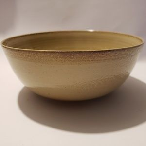 Nice brown/beigh Pottery bowl handmade Signed